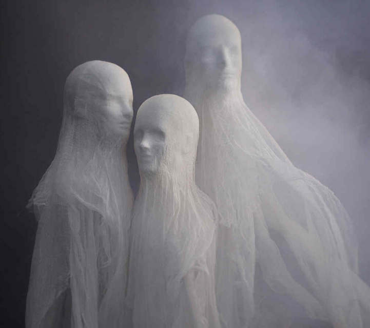 scary diy halloween decorations cheesecloth spirits ghosts