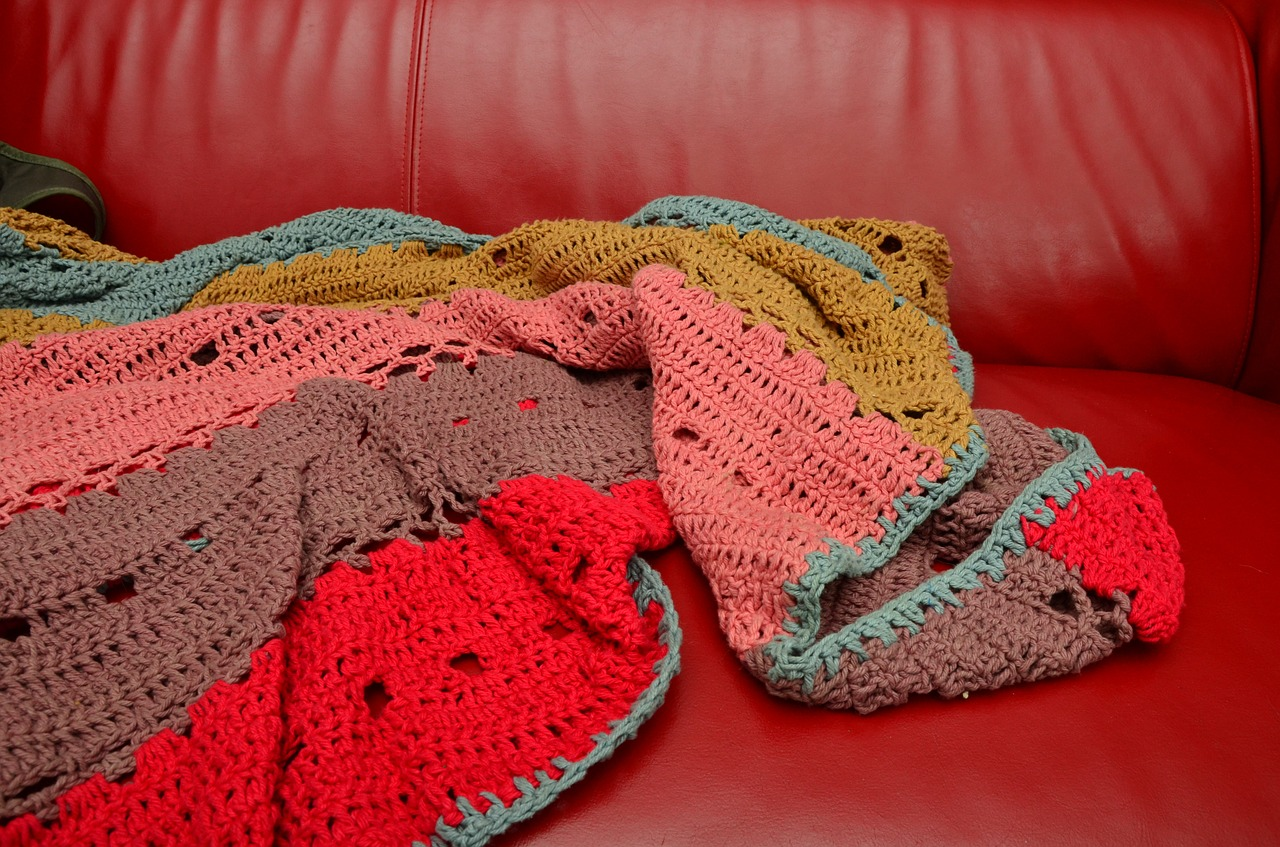 Crochet Blanket Sizes and How Much Yarn